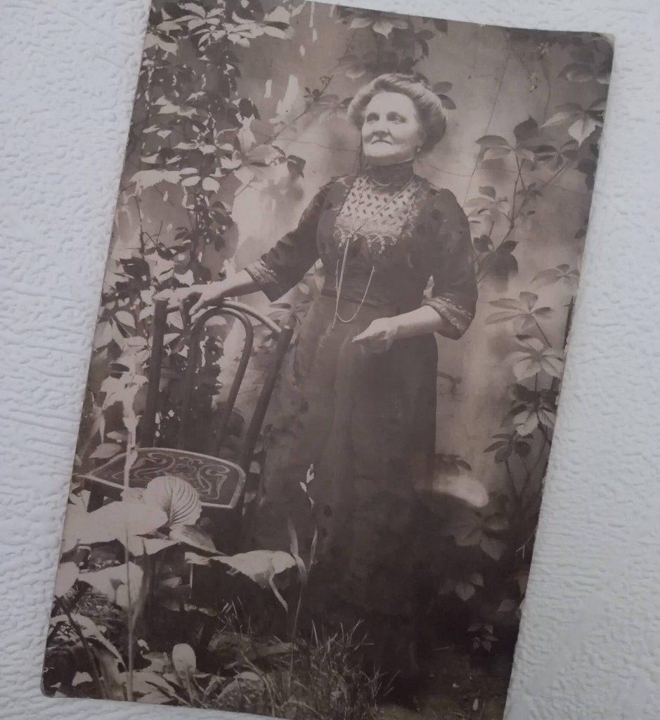 1910s zdjęcie kobiety w sukni