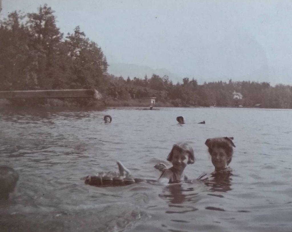 1910s-bathing