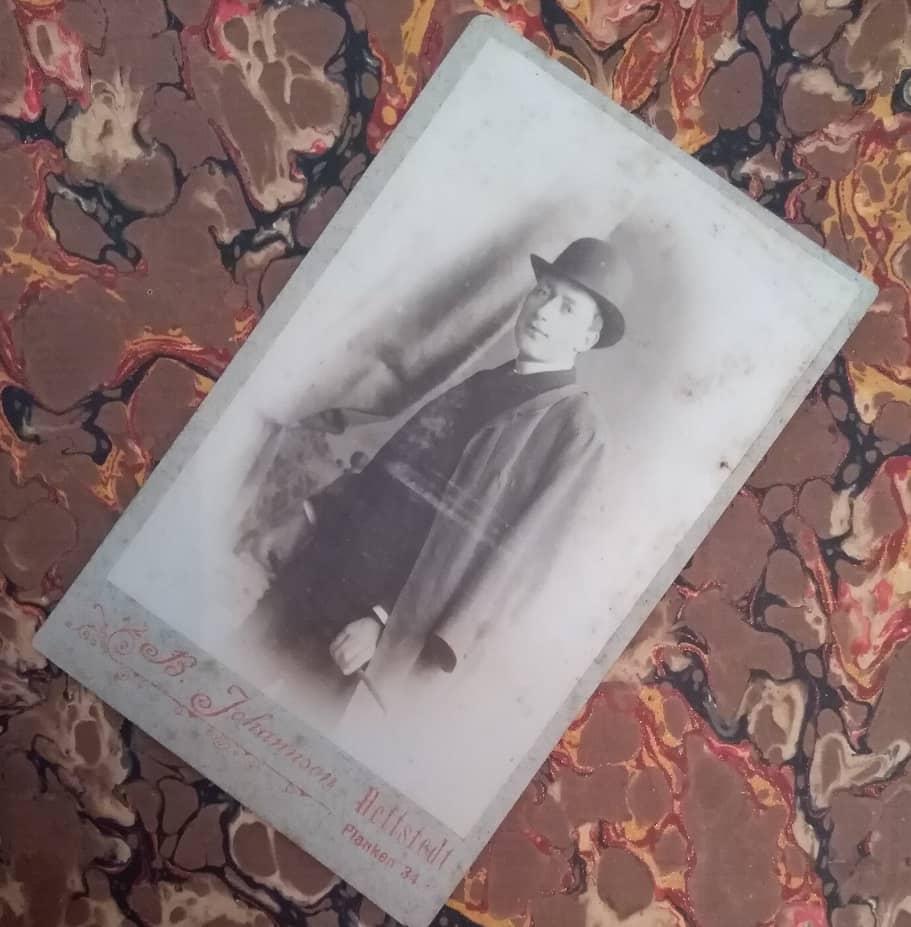 1890 mężczyzna w meloniku